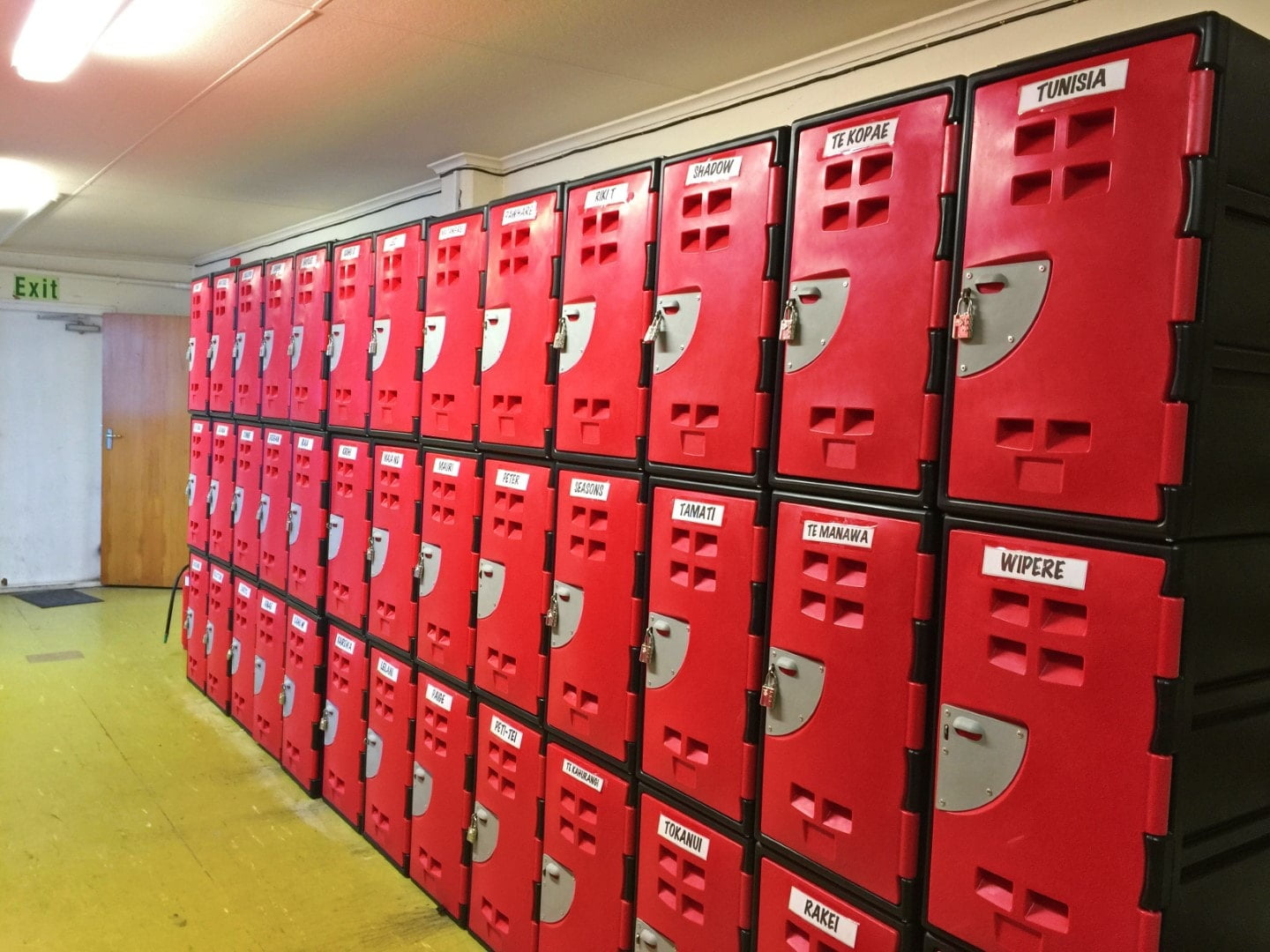 manukura college - locker install- NZ